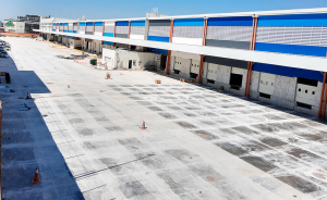Piso de concreto da Concrelongo em obra em Barueri São Paulo